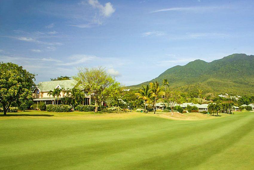 palm grove villa poinsettia nevis zicht vanaf eerste fairway wereldwijdleven