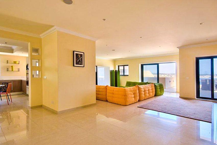 tas-sellum residentie mellieha blok 5 penthouse open keuken leefruimte terras wereldwijdleven