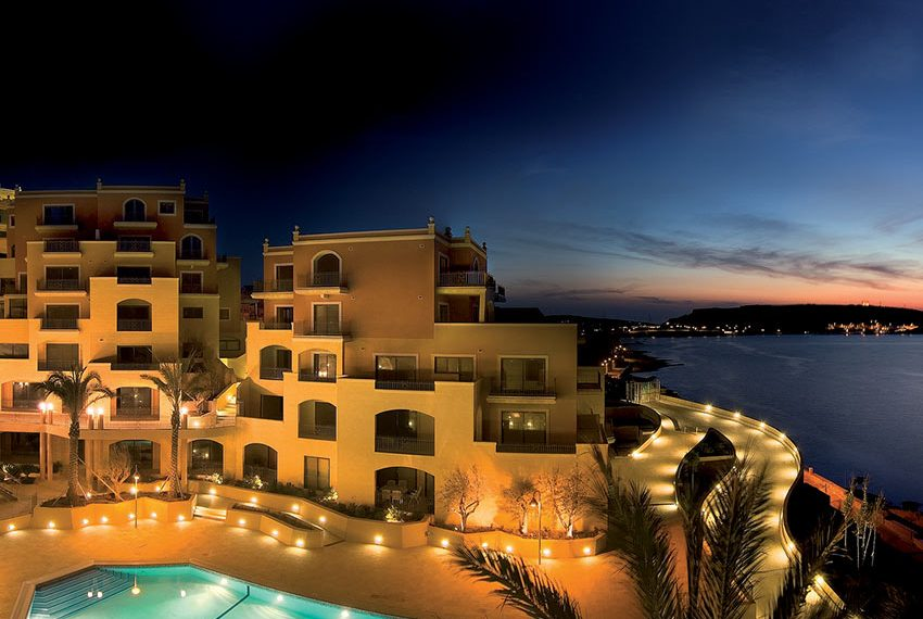 tas-sellum residentie mellieha blokken 4 en 2 valavond zwembad wereldwijdleven
