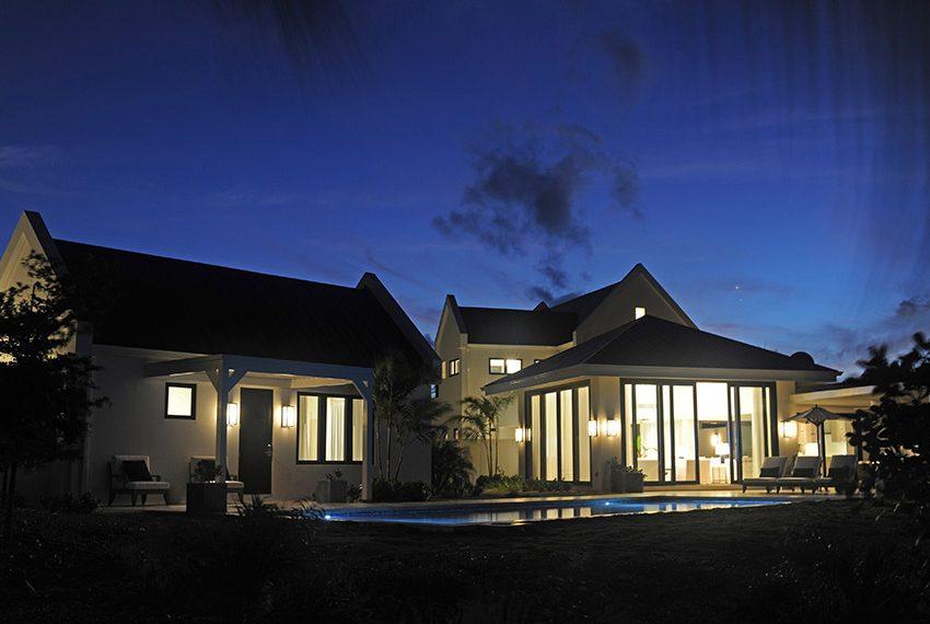 achtertuin verlicht pinneys beach villas four seasons vastgoed nevis wereldwijdleven