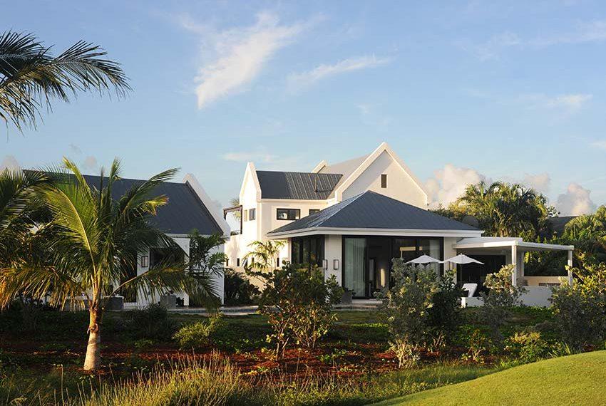 private achtertuin pinneys beach villas four seasons vastgoed nevis wereldwijdleven