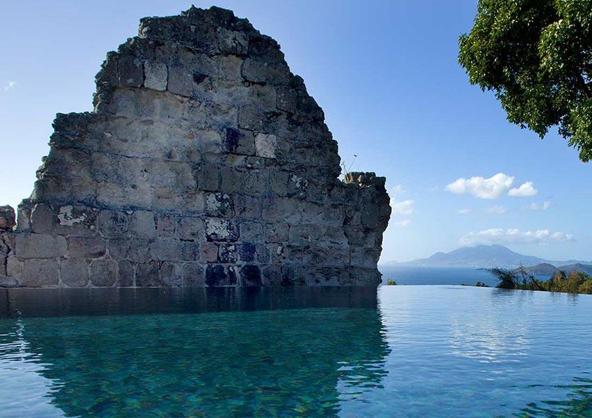 ruine zwembad vastgoed four seasons vastgoed nevis wereldwijdleven