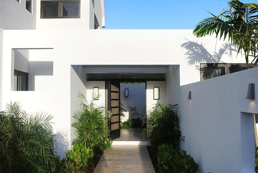 voordeur pinneys beach villas four seasons vastgoed nevis wereldwijdleven
