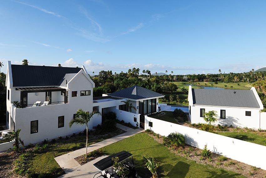 voorzijde pinneys beach villas four seasons vastgoed nevis wereldwijdleven
