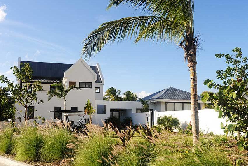 zicht vanaf weg pinneys beach villas four seasons vastgoed nevis wereldwijdleven