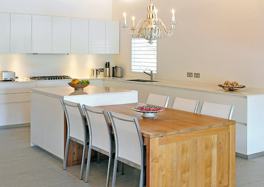 open keuken van een exclusieve villa te grenada opbrengsteigendom
