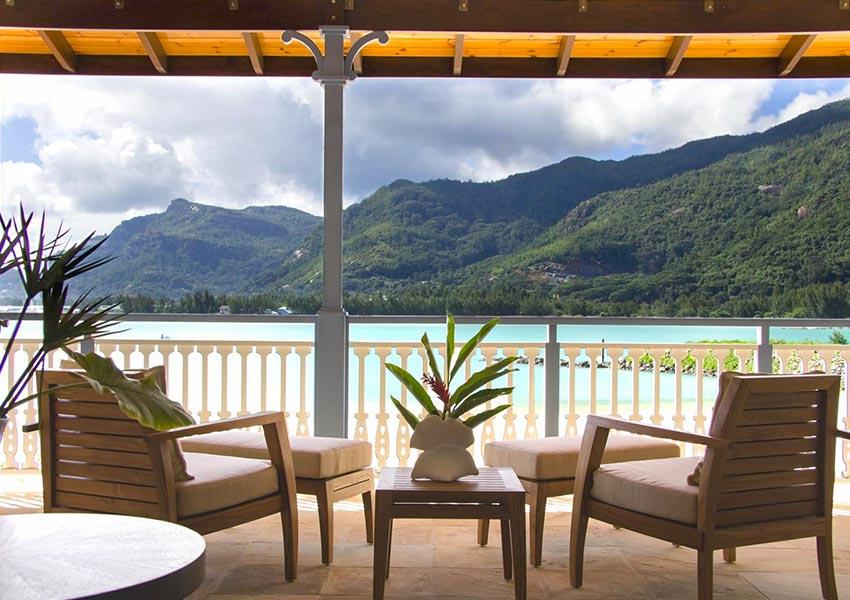 zicht op mahe eden island luxevilla wereldwijd leven