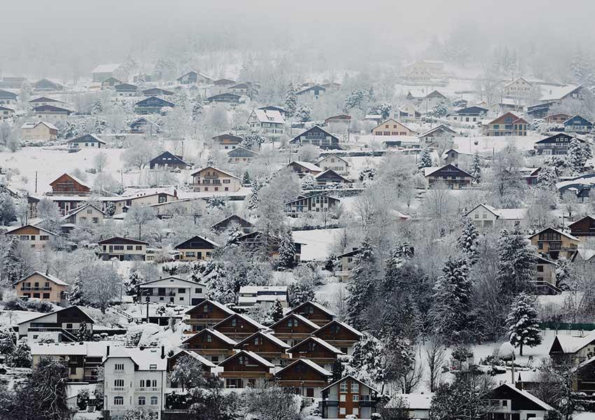vastgoed kopen in frankrijk in berggebied skigebied chalets
