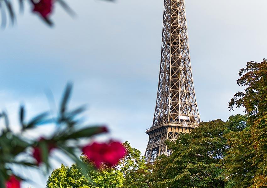 verwerving frans onroerend goed eiffeltoren parijs frankrijk