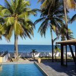 huis kopen in Brazilië met zwembad terras tuin strand en zee