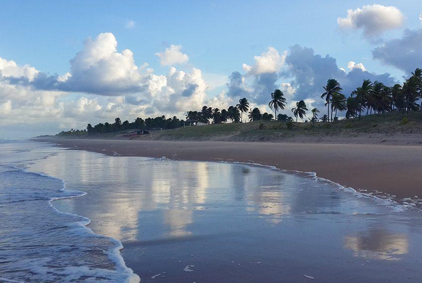 magnifieke stranden en natuurlijke kustlijnen zonder overbebouwing Poças Conde Brazilië