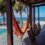 terras hangmat zicht op zee unieke locatie van de vakantievilla Poças Conde Brazilië