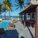 terras zwembad overdag zonlicht unieke bestemming voor vakantie in Brazilië