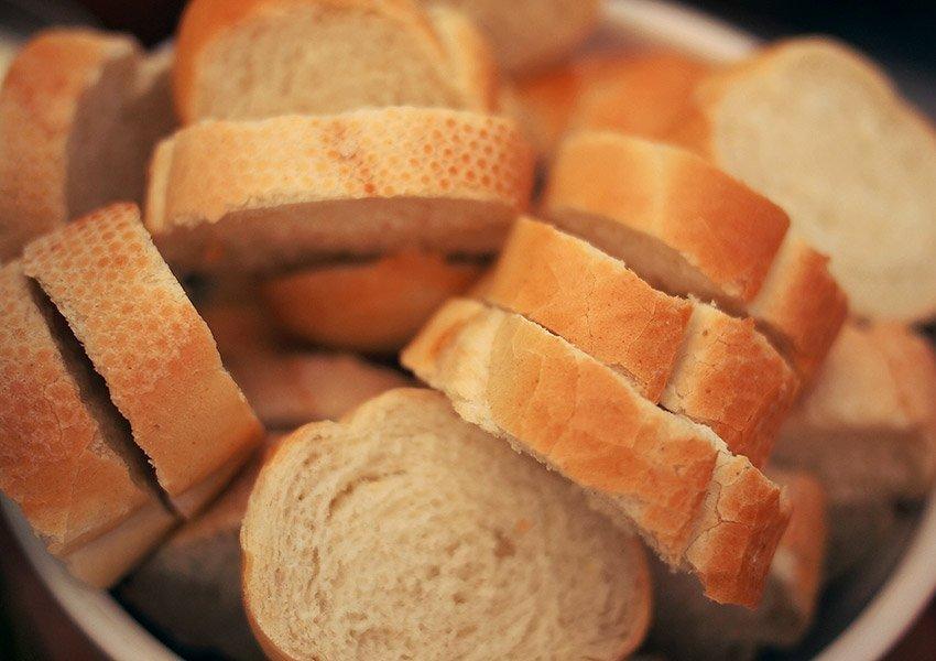 heerlijk frans stokbrood locatie en buurtwinkels belangrijk onroerend goed kopen in frankrijk