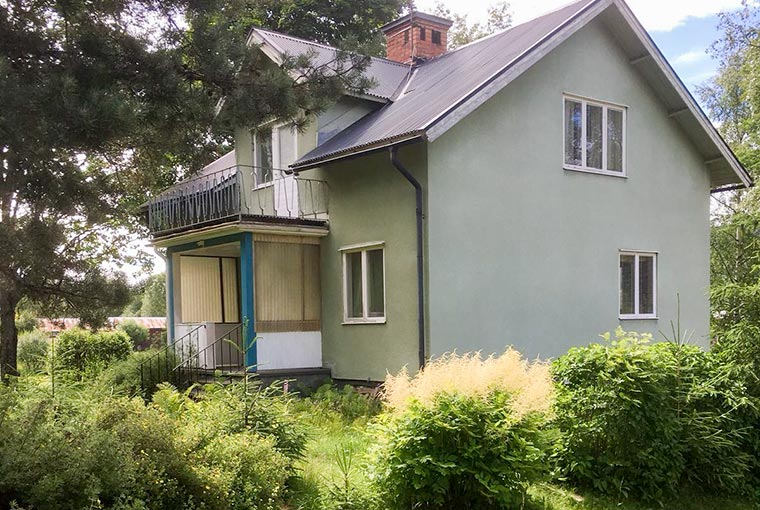 woning in verhuurde staat kopen in zweden met mooie tuin vlot verhuurbaar en tot 7 procent rendement per jaar