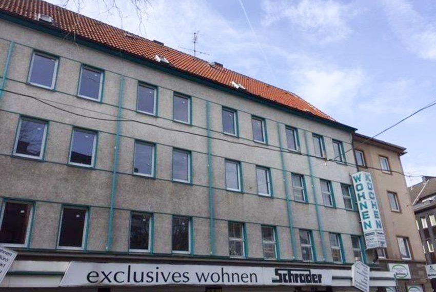 vooraanzicht nog te renoveren gebouw te koop als opbrengsteigendom in gelsenkirchen duitsland