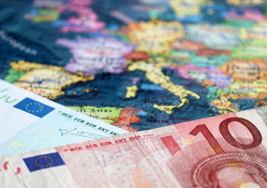 kleine bedragen geld investeren over de grenzen heen wereldwijd is mogelijk