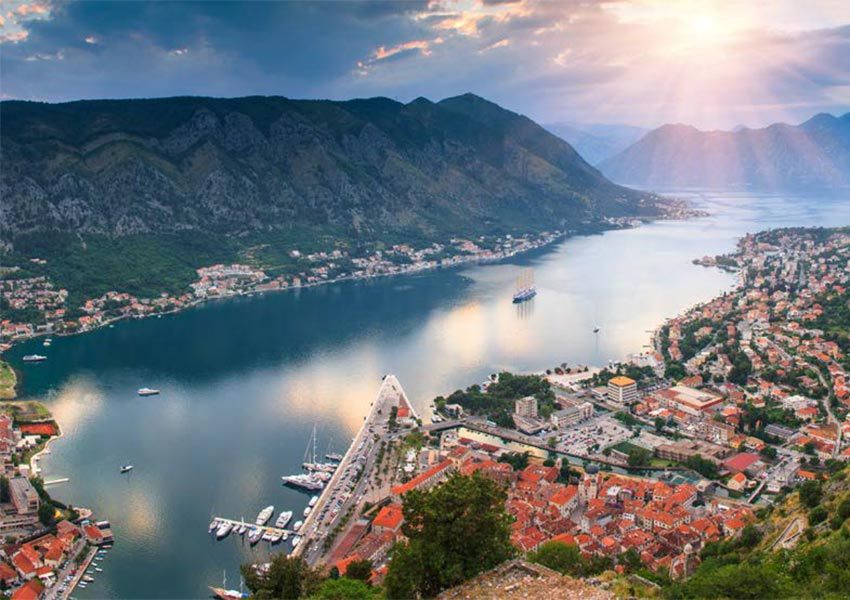baai van boka opgedeeld in vier kleinere baaien herceg novi risan kotor tivat bezienswaardigheden montenegro