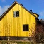 zijkant van gerenoveerde woning te koop in zweden als opbrengsteigendom