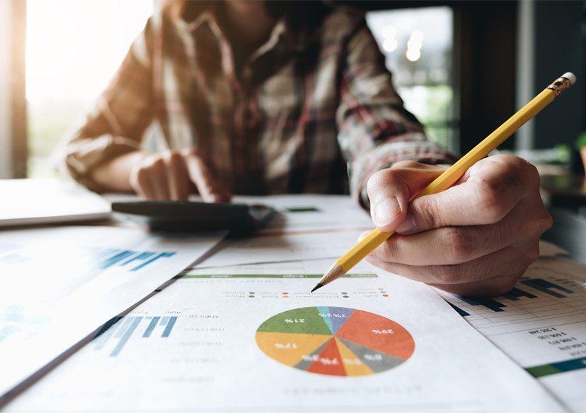 verkoopovereenkomst financieel plan en contracten grondig nalezen is belangrijk onderdeel van due diligence
