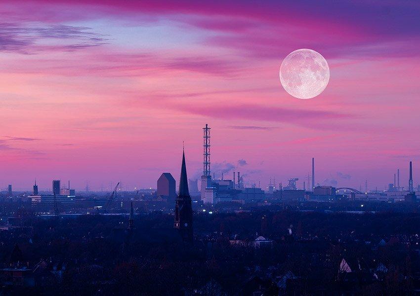 noordrijn westfalen economische motor van duitsland skyline van duisburg
