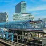 treinstation amsterdam grootstad voor zakendoen en met enorm veel zakelijk commercieel vastgoed