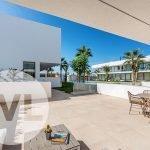 appartement in spanje kopen met terras op gelijkvloers toegang tot gemeenschappelijke tuin en zwembad