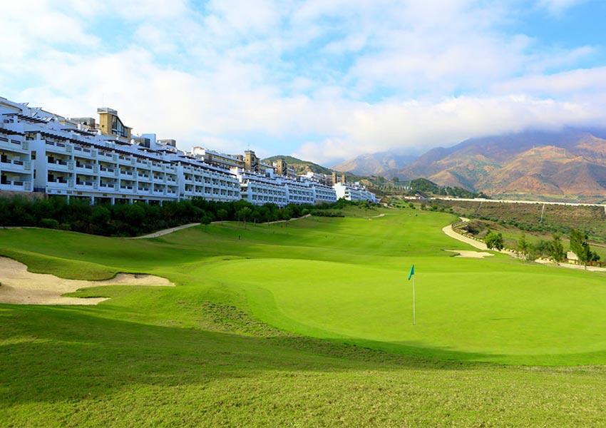 appartementen op golfbaan te koop met gegarandeerd rendement en recht op prive gebruik spanje