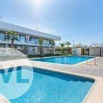 nieuwbouw appartementen te koop met gemeenschappelijke zwembaden op 500 meter van zee en strand spanje