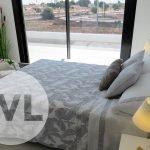 ruime slaapkamers met privé balkon in nieuw huis te koop met zwembad en tuin spanje costa calida mar menor