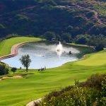 vijver in 18 holes golfbaan resort met unieke investeringsopportuniteiten costa del sol spanje estepona