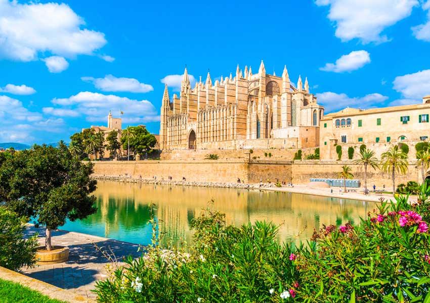 wereldbekende la seu kathedraal gotische stijl op mallorca eiland spanje