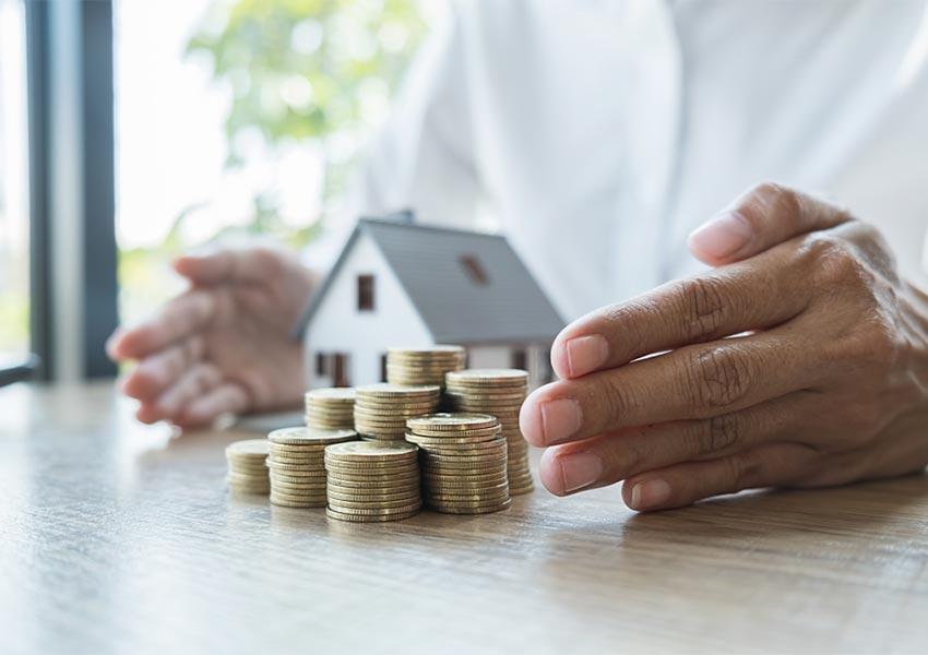 vastgoeddeal kopen toeslaan voor gedwongen openbare verkoop als keiharde onderhandelaar