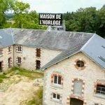 traditionele klassieke gebouwen in renovatie dorpje le village investeringseigendommen te koop met contractuele waarborgen voor beleggers