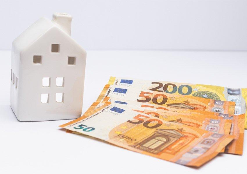 focus op positieve of neutrale cashflow van opbrengstpand om volatiliteit vastgoedprijzen af te dekken