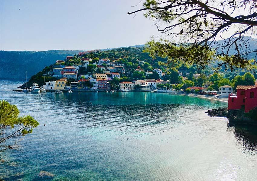kefalonia eiland dorpje asos vakantiehuis aankopen als vastgoedbelegging