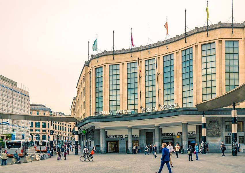 station brussel centraal openbaar vervoer en connectiviteit op hoog niveau