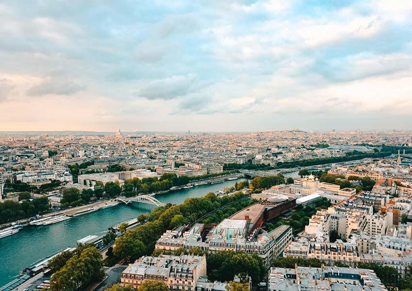 schitterende panoramafoto van parijs rivier seine hoofdstad frankrijk